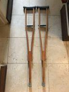 crutches10