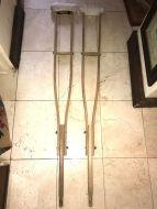 crutches12