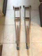 crutches8