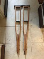 crutches9