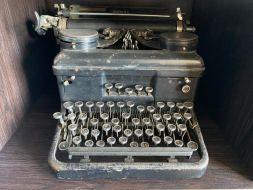 typewriter 13