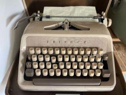 typewriter 26