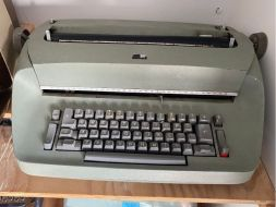 typewriter 27