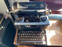 typewriter 33