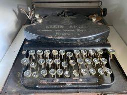 typewriter 9